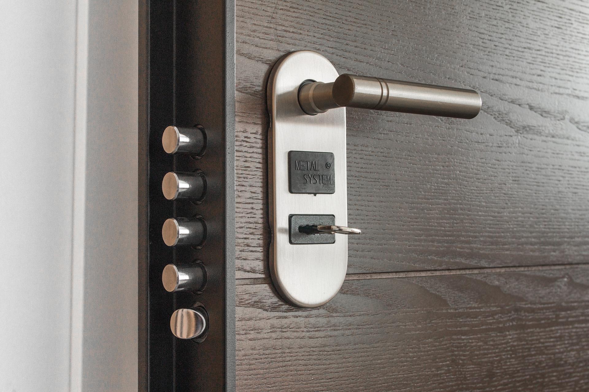 Serratura della porta sostituire il cilindro tabbid blog - Cambiare serratura porta ...