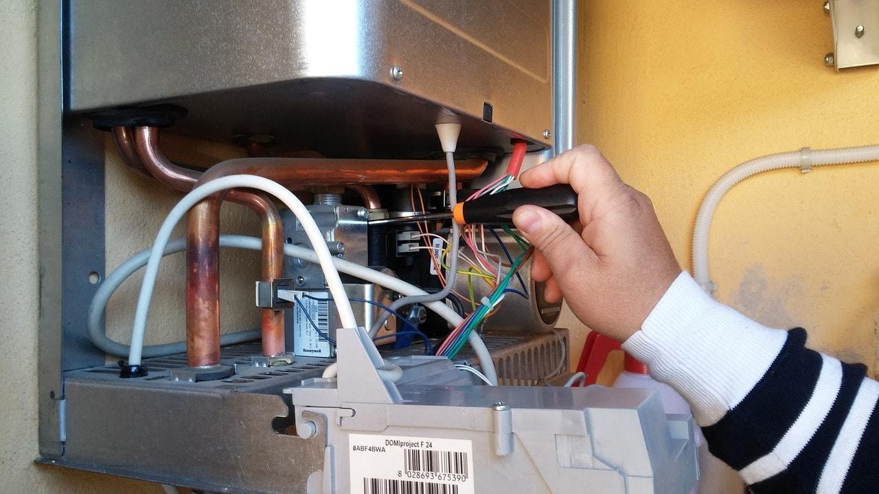 Guasti caldaie riello codici di errore e casi particolari - Non esce acqua calda dallo scaldabagno ...