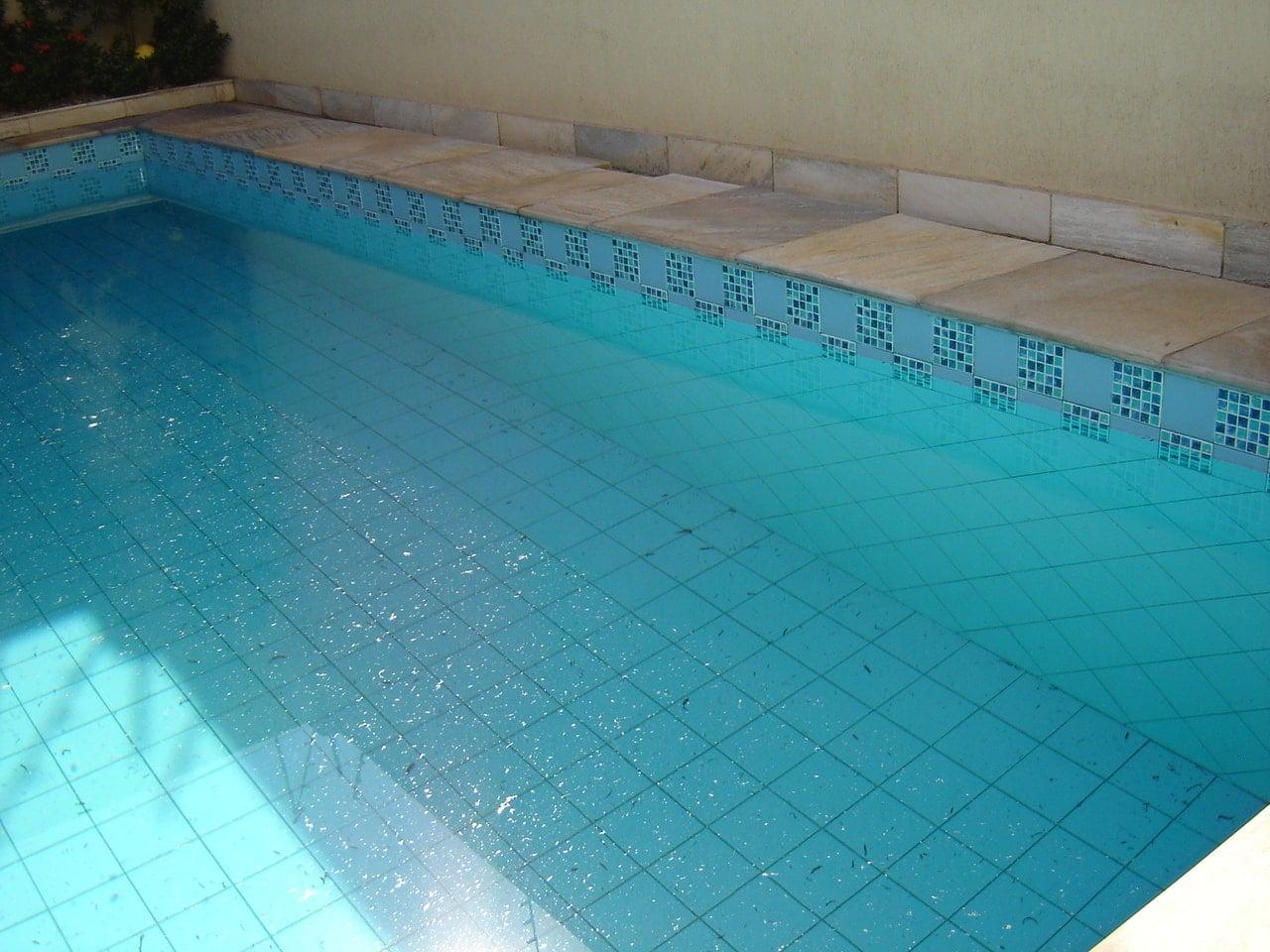 Pulizia della piscina guida rapida tabbid blog for Riparare piscina