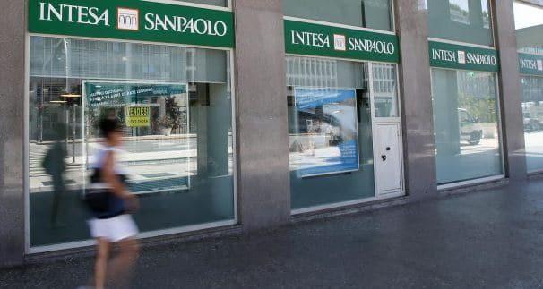 Intesa SanPaolo Assume