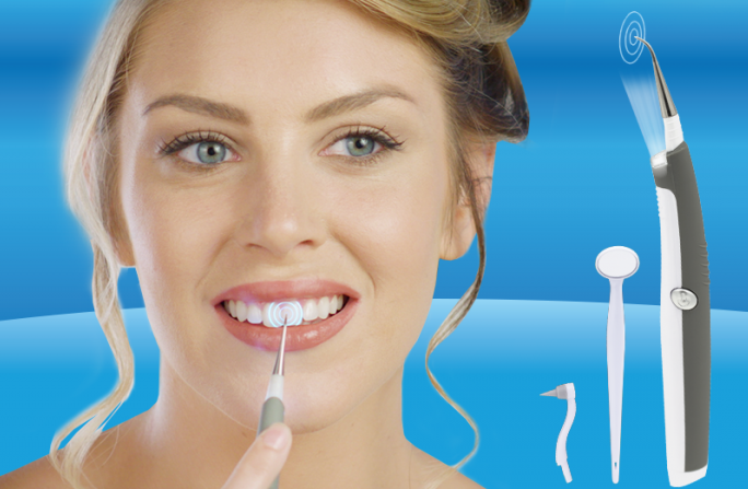 Macchie sui denti: vibrazioni soniche per l'igiene